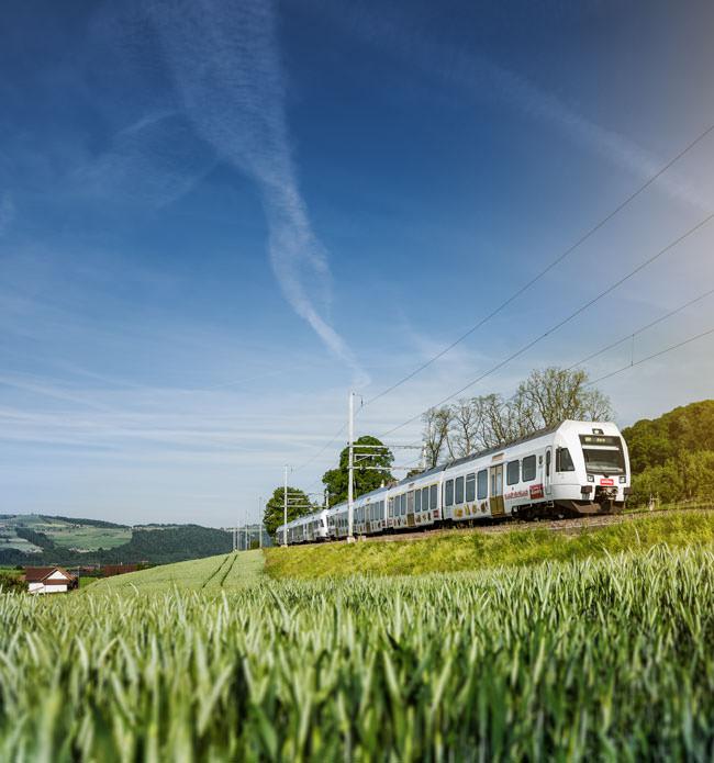 kambly-im-Kambly-Zug-unterwegs-2-mobile